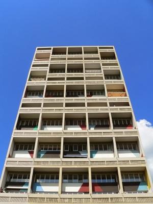 Unite__d_Habitation_Typ_Berlin___Corbusier_Haus__Su_dfassade